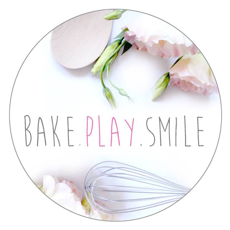 Bake Play Smile Logo